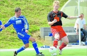 Jochen Volk (links) und sein TSV Emmelshausen peilen gegen die SG Eich den zweiten Sieg im zweiten Spiel an. M Foto: Vollrath