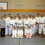 Die 15 Teilnehmer des Kurses mit Trainer Alexander Freund (rechts im Bild)