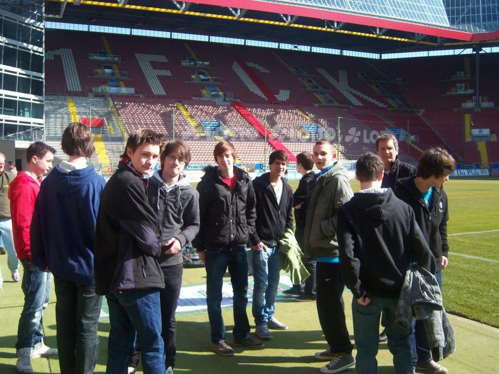 Der Stadioninnenraum wurde von den Vesalen während der Stadionführung Inaugenschein genommen.