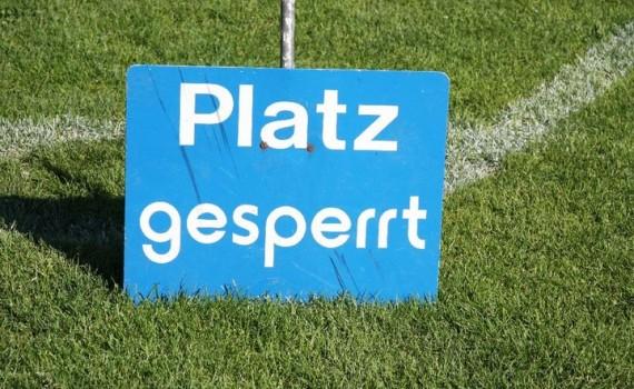 Rasenfläche im Rhinelanderstadion gesperrt für den Trainingsbetrieb